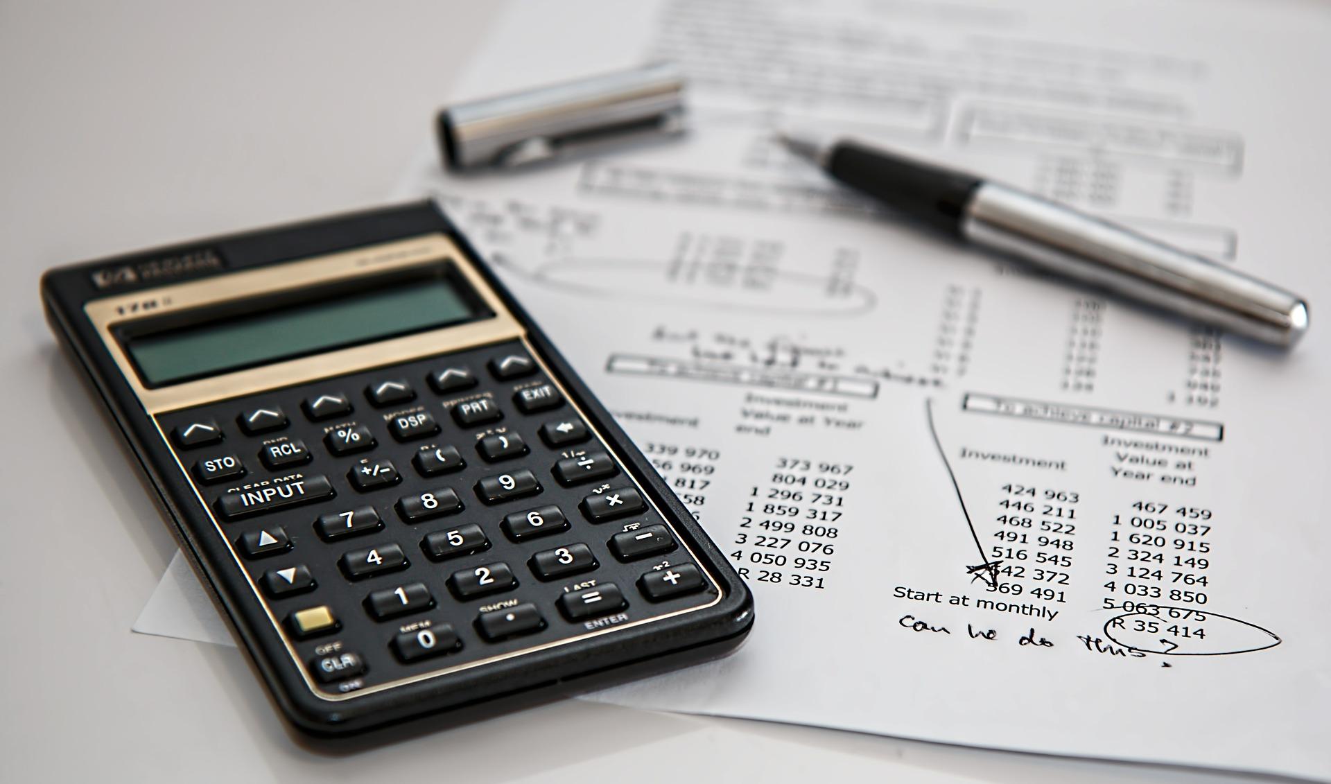 Kalkulator i faktura