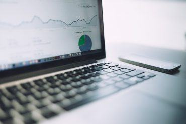 Analiza danych narzędzia Google Analytics