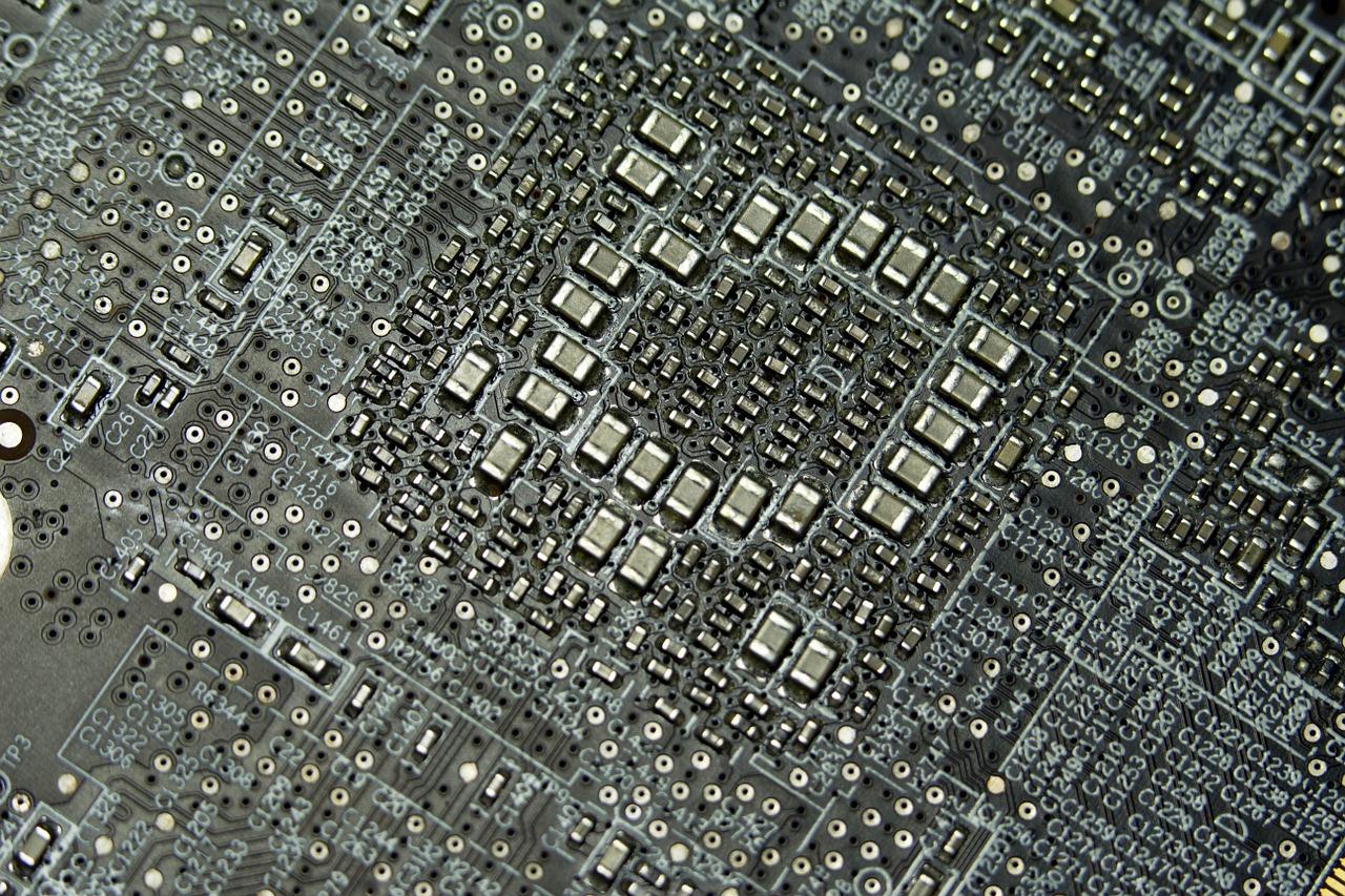 Obwód drukowany na złożonym układzie elektronicznym