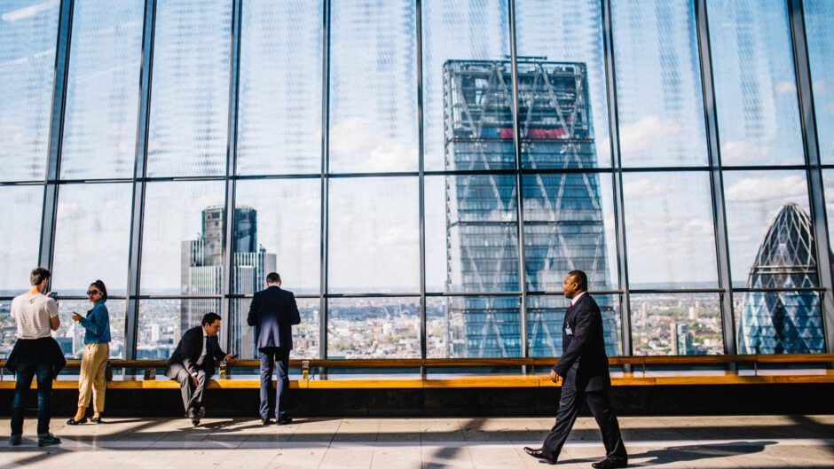 Przedsiębiorstwo i elementy mikrootoczenia i makrooteczenia