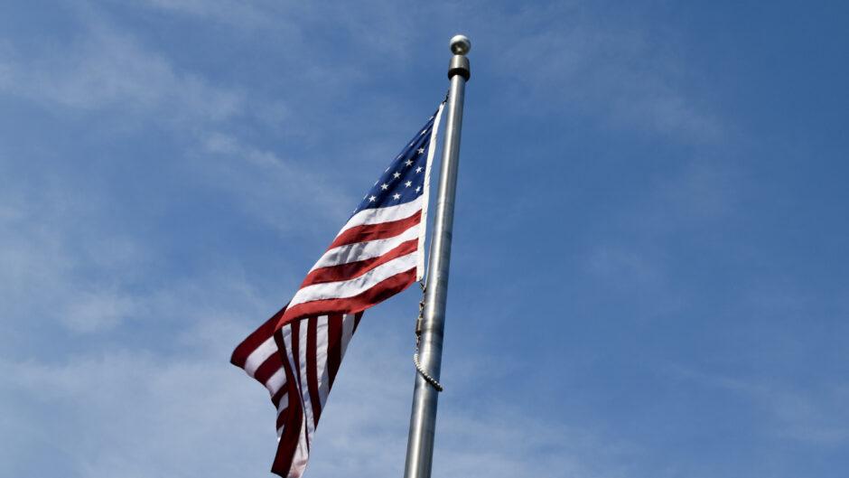 Flaga Stanów Zjednoczonych związana z postanowieniami konsensusu waszyngtońskiego