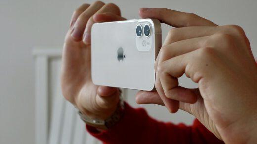 Iphone12 od Apple.